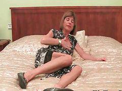 Granny, Skinny granny, Granny masturbation, Granny masturbate, Stripping off, Stripping masturbation