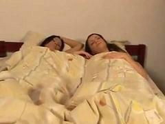Lezbiyen yatakta, Birde, Rus