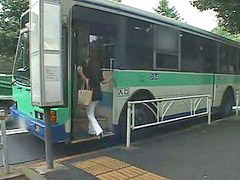 Autobus, Japonise, Tits e madhe