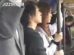 Colegialas japonesas, Japones en el bus, Japonesas enculadas, Japonesa colegialas}, En el bus follando, Autobus colegialas
