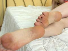Feet, Nylon