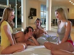 F o o t, Mamada rubia, Turnan, Sexo en grupo