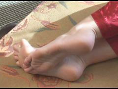 Feet, Moms