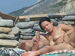 Cogiendo en la playa, Parejas follando, Parejas cojiendo, Pareja cogiendo, Se la folla en la playa, 2 parejas