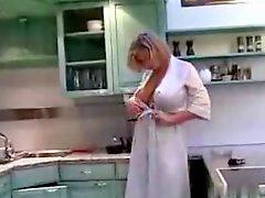 زن دایی, زن عمو, آشپزخانه