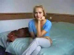Virgen rubia, Seduciendo a una joven, Seduciendo virgencitas, Jovenes rubios, Jovenes rubias, En el liceo