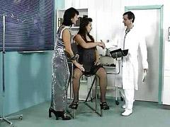 Threesome, Pregnant