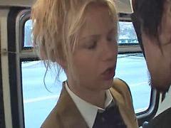 Tفي الباص, مص زب الرجل, مص زب شقراء, في الباص ص, شقراء تمص زب, حافله اسيوى