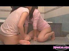 Sambil jalan, Masturbasi asian girl, Mastrubasi kamar mandi, Di di kamar mandi, Girl-masturbasi, Getar getar