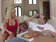 Diamond foxxx, Pizza, Pizza delivery, Pizza boy, Pizz, Shocking