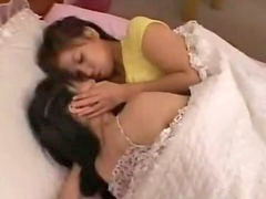 بنات فى المنز ل, تقبيل بنات, في كل, الاسيويه 2, على السرير, مص الحلمة