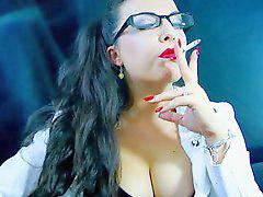 شرموطة اسكندرية, تدخينj, تدخين ب, الكس, فى الكس, تدخين