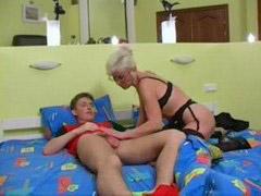الولد ضغار, صبي مع صبي, سكس امهات, جنس الام, ممارسه الجنس, مع صبى