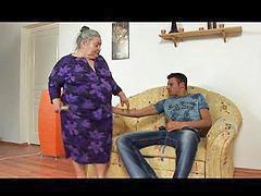 Abuelitas abuelitos, Abuelitas, Abuelita
