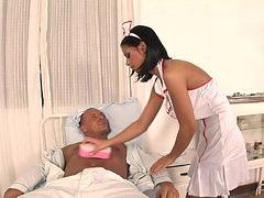 ممرضات سوداء, مريض اسود, سكس الديك الاسود, زوجها مريض, مريض, أسود