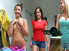Tres niña, Jovencitas desvistiendose, Tres