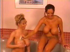 Bath, Starr, Eliza, Dune, Donita, Take bath